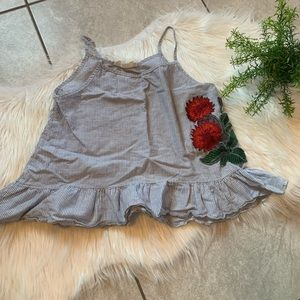 Embroidered tank. Size S